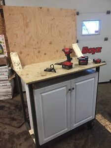 Rolling tool bench/cabinet