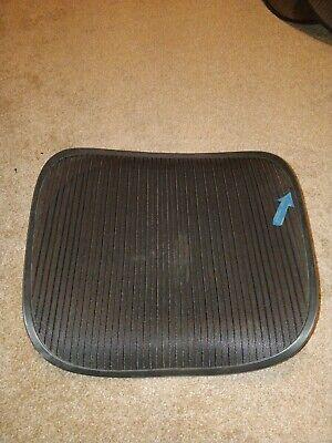 Herman Miller Aeron Chair Seat Mesh Black Pellicle Blemish Size C Large 102