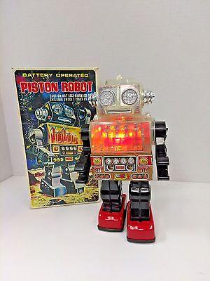Rare Piston Robot Battery Operated S.J.M. Toys SJM-3007 Taiwan 1970's w/ Box