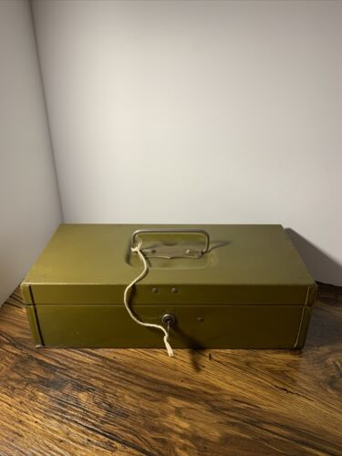 Vintage Parplus Metal Products Co. Strong Box Military Green With Key Utility - $39.95