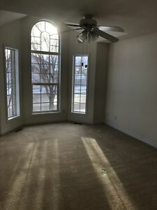 CUTE TOWNHOUSE AVAILABLE DEC 1!
