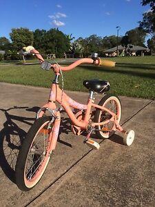 Girls bike, mini Della Cruz superlite, Elimbah Caboolture Area Preview