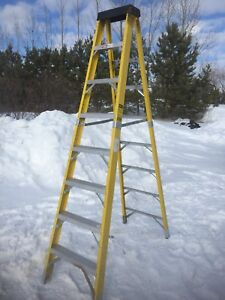 8 ft Step Ladder