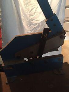 Metal 8 inch guillotine (round & flat cut ) Salisbury Downs Salisbury Area Preview