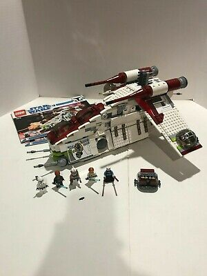 LEGO Star Wars Republic Attack Gunship, #7676, with instructions, and minifigs