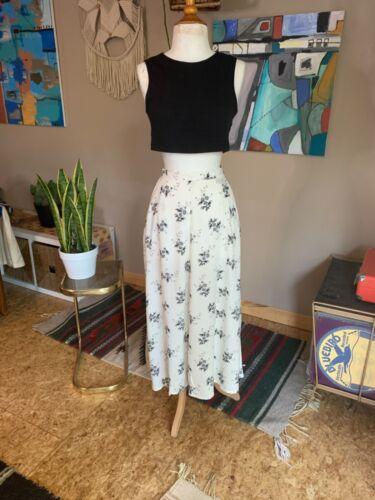 90d Vintage women's white and gray floral rayon high waist midi skirt W26 boho