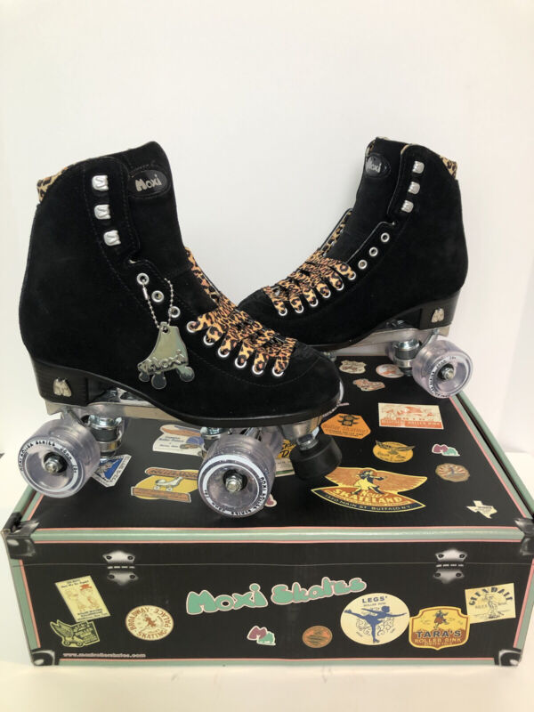 Moxi Panther Roller Skates Size 6 (Women's 7-7.5) Black Suede Riedell Lolly