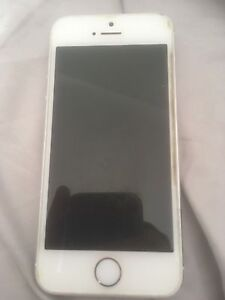 IPhone 5S 32gb Silver -Locked Iphone Narangba Caboolture Area Preview