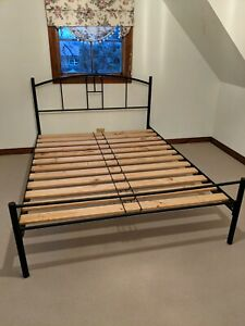 Iron queen size bed no slats