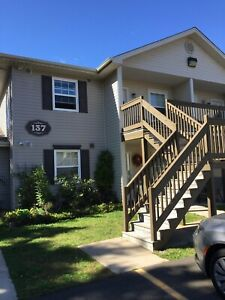 Condo Style - 2 Bedroom - CLEAN - QUIET - Ideal Location
