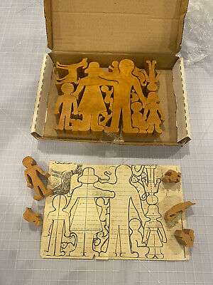 Vintage Wooden Antique Jigsaw PUZZLE The Happy family Dog Cat Turtle Baby