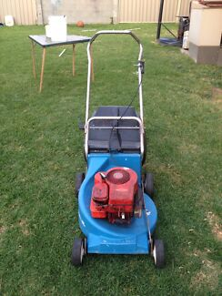 Briggs and Stratton lawn mower  Sunshine West Brimbank Area Preview