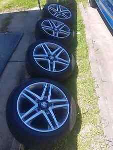 commodore 18inch Ve ss rims & tyres Elermore Vale Newcastle Area Preview