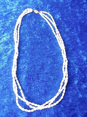Schöne ,alte Perlenkette __mit 333 Goldschliesse__3 Reihen_!