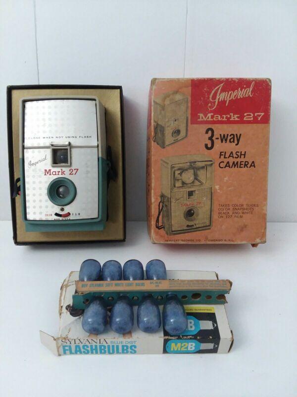 vintage Imperial Mark 27 3-way flash camera