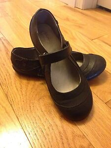 Girls size 3 black dress shoes