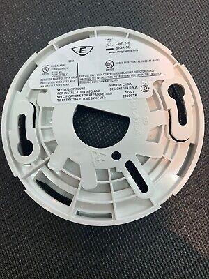Edwards Detector Base SIGA-SB Standard Plug-in (793016019776) Detector Base