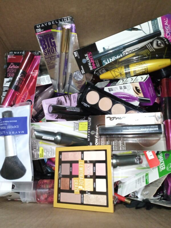 Makeup Lot (50) pcs. - Maybelline Revlon, L