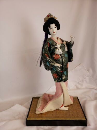 Excellent vintage japanese geisha doll, on a stand, ca. 1980s, huge