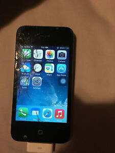 iPhone 4 (For parts or to refurbish)