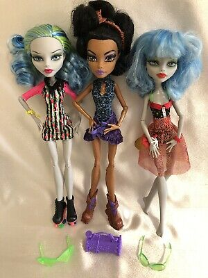 Monster High Doll Lot 2 Ghouila Yelps & Rebecca Steam
