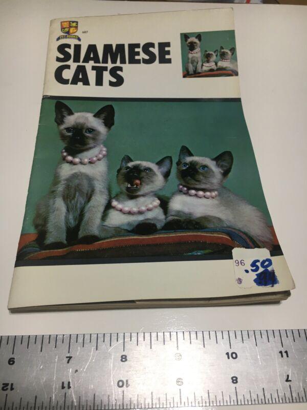 Vintage Siamese Cats Pamphlet/Booklet 1966 Pet Books Inc.