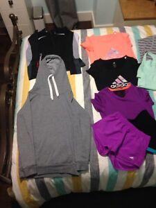 Vêtements jeune fille à vendre 10-12 ans