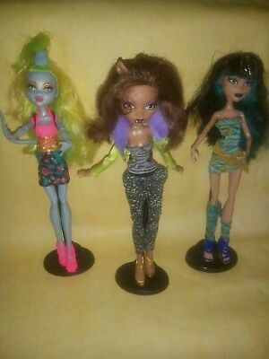 10Monster High Puppen + Zubehör+ 1 Barbie
