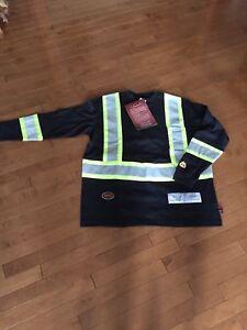 FR Flame Resistant Shirt. Long Sleeved, Med, Brand New. Pioneer