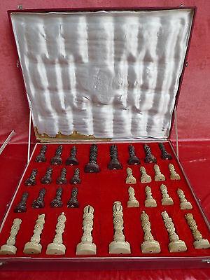 Sehr schöne,alte Schachfiguren__mit großen Steinfiguren__Indien__im Koffer__!