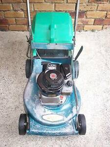 BRIGGS STRATTON 4 STROKE,ROVER SERVICED,LAWN MOWER.CATCHER. Runcorn Brisbane South West Preview