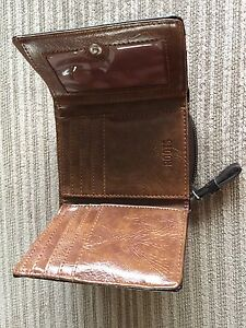 Guess purses and wallets