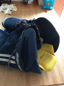 Bauer TotalOne hockey pants, size SR medium