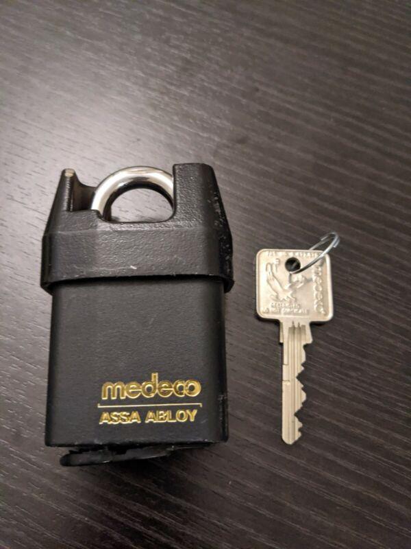 "Medeco 5452500-T-26-DL-S Keyed Padlock 2-1/8""W"