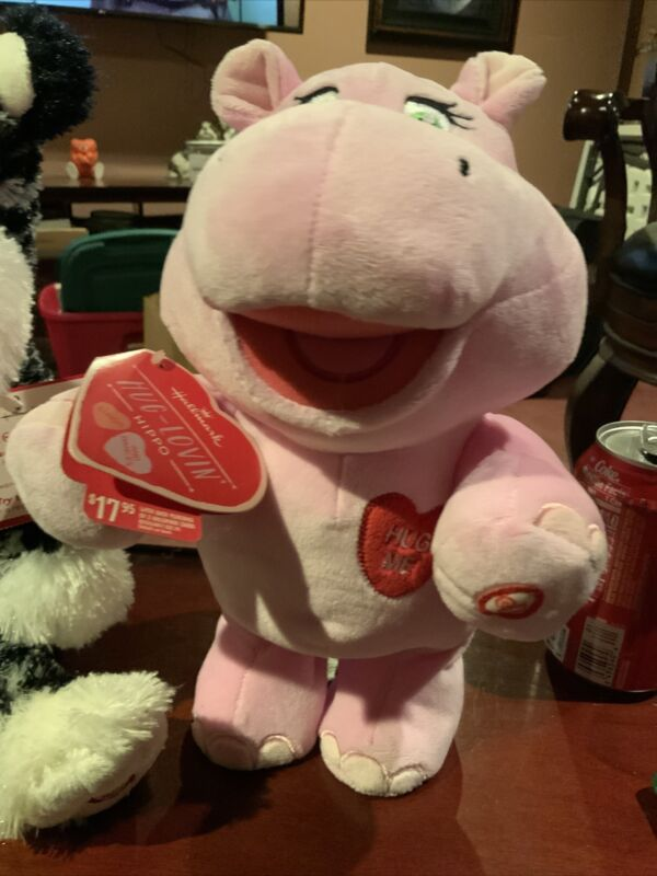 Hallmark Hug Loving Hippo Singing Dancing Pink Sings I Like Big Hugs Valentine