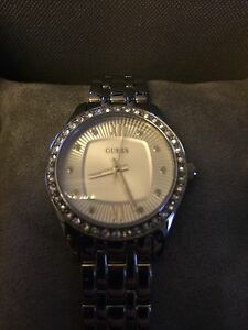 BNWT authentic GUESS watch