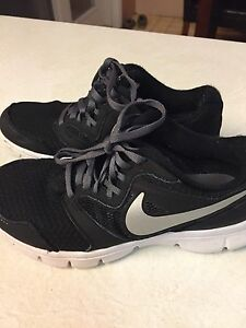 Nike runner youth