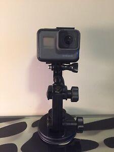GoPro Hero 5 Black + 4 year warranty + Accessories