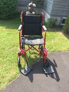 Chaise roulante et pivotante portative