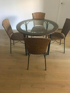 Freedom cane glass 4-seat dining table in great condition