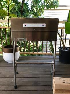 Sovereign stainless steel BBQ
