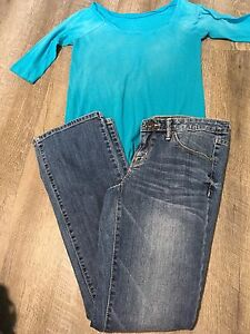 10 PIECES OF GIRLS CLOTHING IN SIZES *12-14//(4)