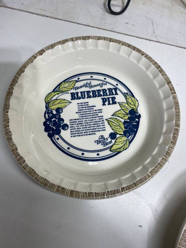 VINTAGE Blueberry Recipe Pie Plate Country Harvest Royal China Co Deep Dish USA