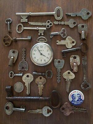Genuine vintage 13 key collection lot old skeleton US made antique pocket watch