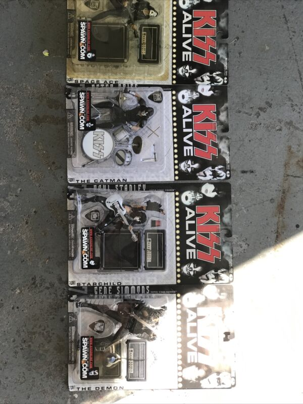KISS ALIVE McFarlane Collection Set With Autograph Box