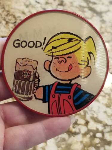 Dennis The Menace Drinks A&W Root Beer Flasher Button Vari-Vue 1960