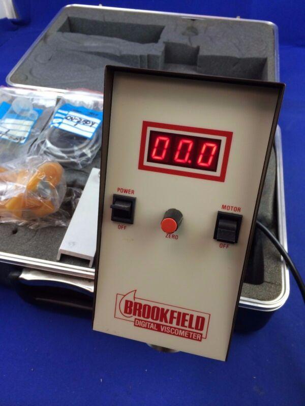 BROOKFIELD RVTD VISCOMETER w/ COOLING PLUG ASSY, HT-69Y BRACKET, DV-250Y CABLE