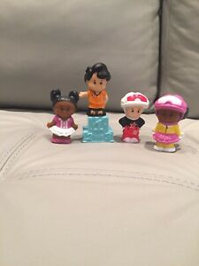 4 figurines Little People Fisher Price - À VENDRE