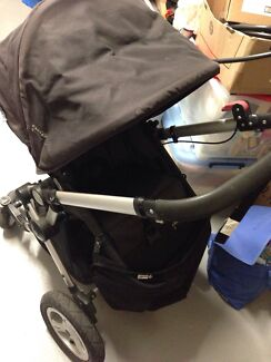 Baby care stroller  Bonnells Bay Lake Macquarie Area Preview