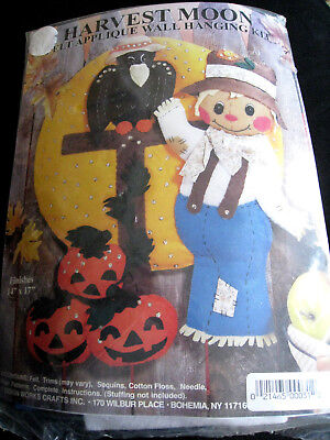 Design Works Felt Applique Autumn Fall Kit,HARVEST MOON,Scarecrow,Halloween,5120 (Halloween Felt Crafts)